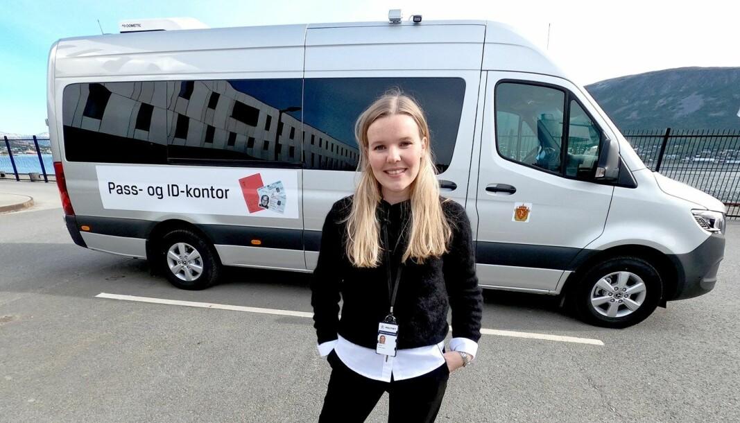 Andrea Maria Finjord Jenssen er ansvarlig for tjenesten i Troms politidistrikt. Selv om denne bilen har base i Troms, kjører den også til alle de nordlige politidistriktene.