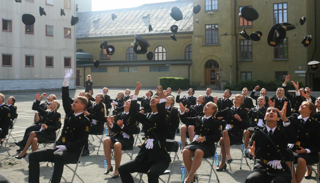 Avgangsstudenter ved Politihøgskolen (PHS) i Oslo i juni 2021.