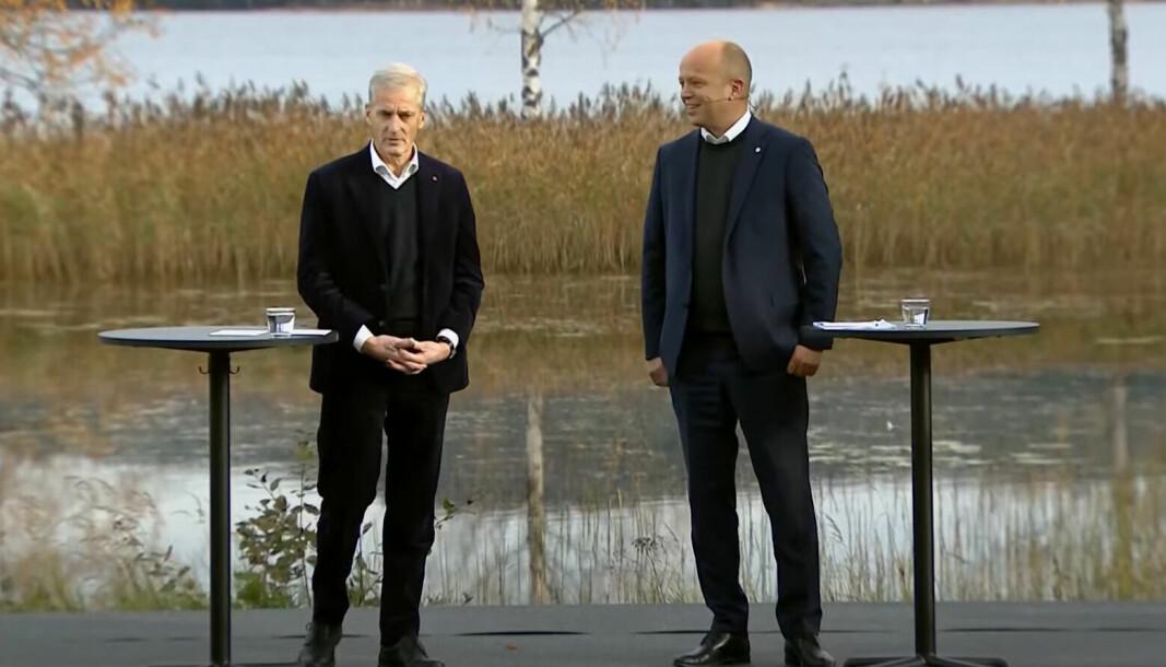 Påtroppende statsminister Jonas Gahr Støre (Ap) og Senterparti-leder Trygve Slagsvold Vedum legger fram den nye regjeringsplattformen ved Hurdalssjøen i dag.